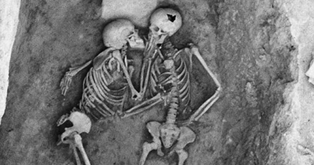 Hasanlu's Lovers: a kiss 2,800 years long